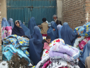 A duvet distribution on the first day of snow if Kabul